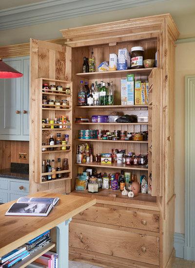 Классический Кухня by Churchwood Design