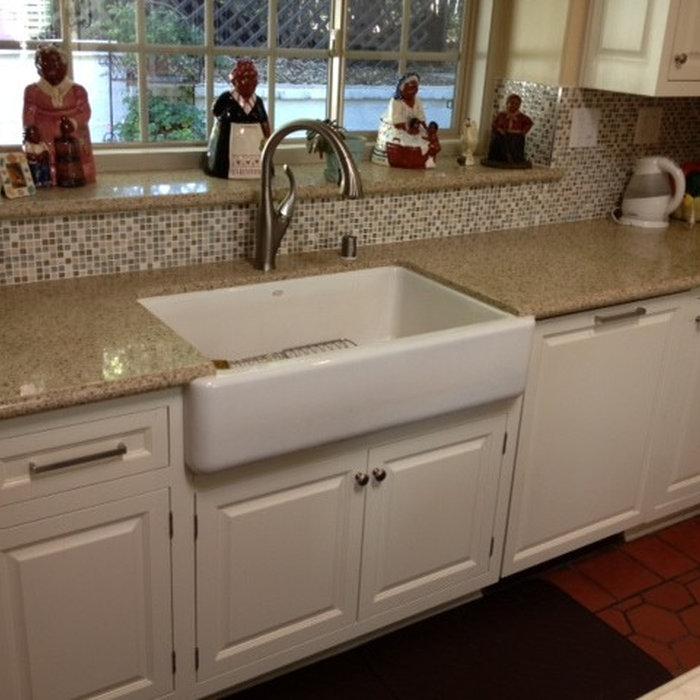 Traditional Raised Panel Kitchen
