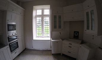 Traditional styled WREN kitchen and matching custom benchwork