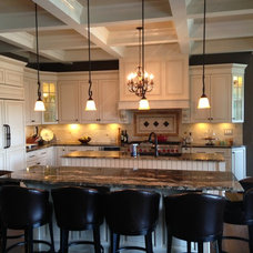 Traditional Kitchen by Woodhill Cabinetry & Design Inc