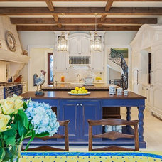 Traditional Kitchen by Makow Associates Architect Inc
