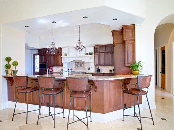 Traditional Kitchen by UB Kitchens - San Antonio