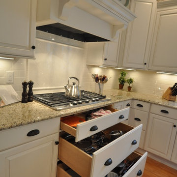 Traditional White Kitchen-Project 782