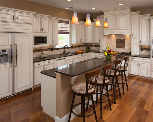 Traditional white kitchen houzz for Kitchen remodel images