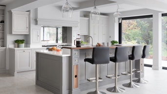 Traditionl Hand Painted Framed Kitchen