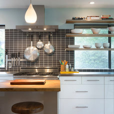 Contemporary Kitchen by Davenport Building Solutions