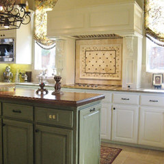 traditional kitchen by Andregg Contracting, Inc. - Remodeling Specialists