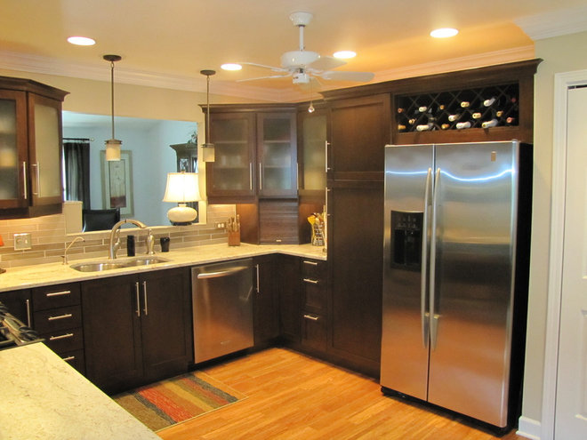Contemporary Kitchen by AJ Szam