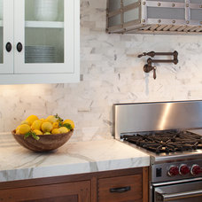 Beach Style Kitchen by Anne Sneed Architectural Interiors