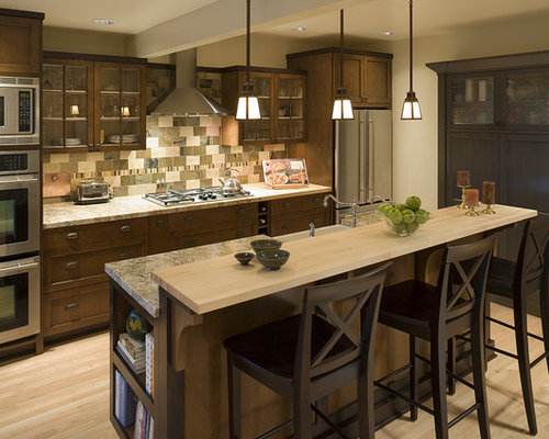 Traditional galley kitchen design ideas remodels photos for Traditional kitchen remodel ideas