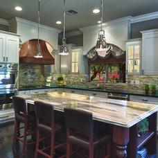 Modern Kitchen by IBD Studio