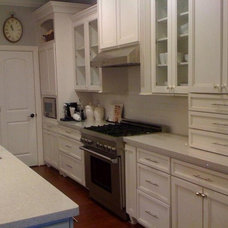 Traditional Kitchen by ANDERN DESIGN COMPANY