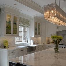 Modern Kitchen by Artistry Design