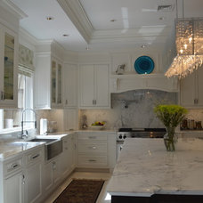 Traditional Kitchen by Artistry Design