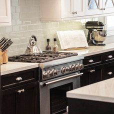 Traditional Kitchen by Beach Kitchens,LLC