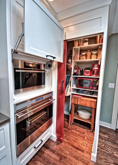 Современная классика Кухня by Capozzi Design Group