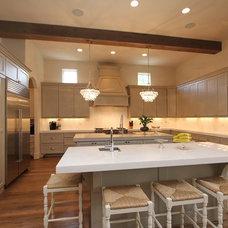 Contemporary Kitchen by Cason Graye Homes