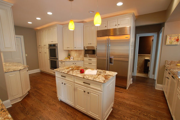 Traditional Kitchen by Hurst Design Build Remodeling