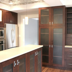 contemporary kitchen by Habitar Design