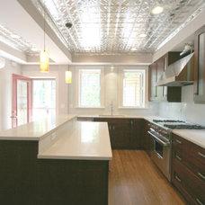 Contemporary Kitchen by Habitar Design
