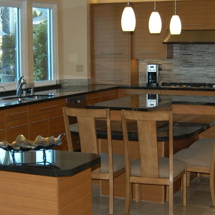 Transitional Kitchen in Woodland Hills