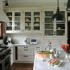 transitional kitchen by Rebekah Zaveloff | KitchenLab