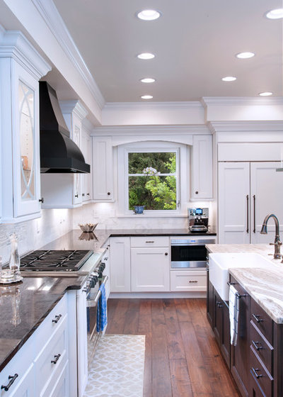 Kitchen Confidential: Painted vs. Stained Cabinets