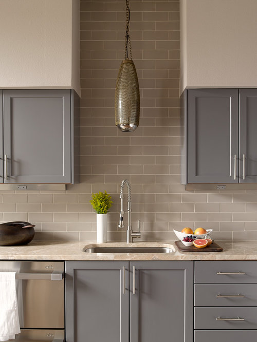 Grey beige ideas pictures remodel and decor - Cuisine gris taupe ...