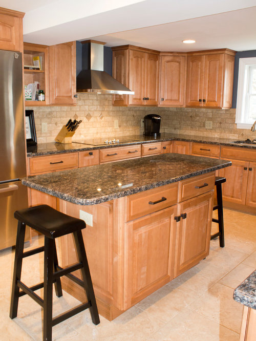 Cincinnati Kitchen Design Ideas Renovations Photos With Light Wood Cabinets