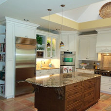 Traditional Kitchen by SF Interiors, Inc.,  Licensed Designer # 5105