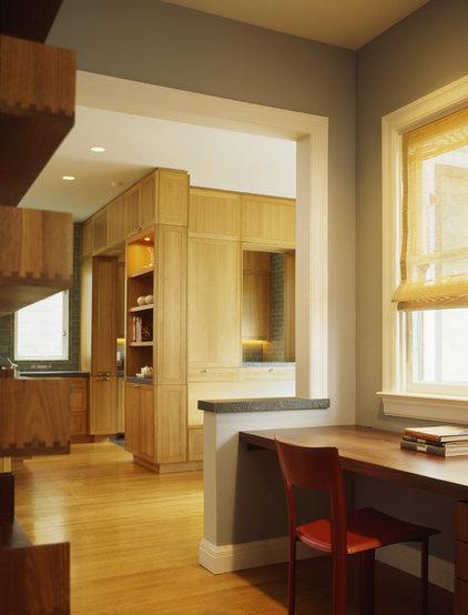 Transitional Kitchen by Schwartz and Architecture