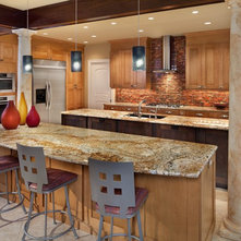 Kitchen Colors That Work With Maple Cabinets