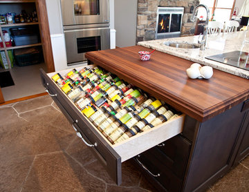 Transitional Lakefront Country Kitchen