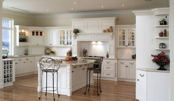 Transitional Style Custom Kitchen and Cabinetry