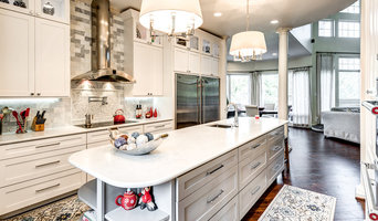 Transitional white kitchen remodeling - Ceder Hill