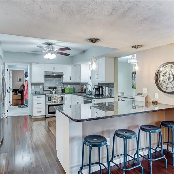 Transitional White Painted Kitchen