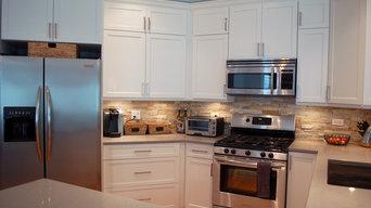 Transitional White Shaker Kitchen