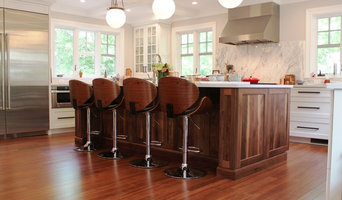 Transitional white shaker kitchen in Newton