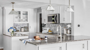 Transitioning to a Contemporary Kitchen Makeover with Cabinet Refacing