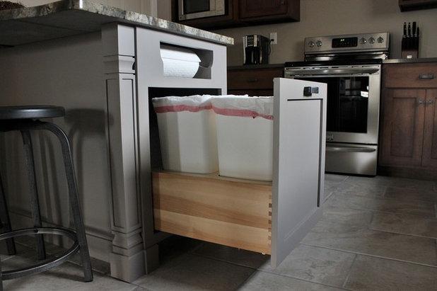 Kitchen Details: Out-of-Sight Paper Towel Holder