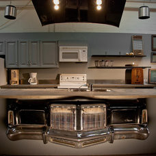 Industrial Kitchen by Lucid Interior Design Inc.