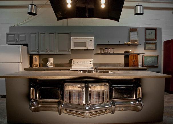 Industrial Kitchen by Lucid Interior Design Inc.
