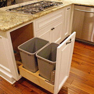 Trash Pull-Out in Kitchen Peninsula