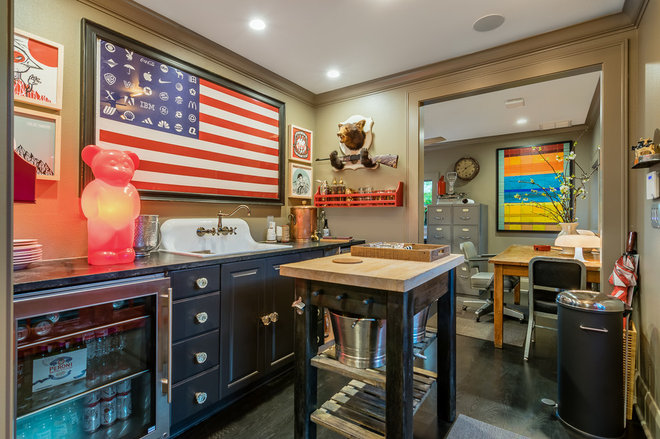 Eclectic Kitchen by Camelot Custom Homes Inc.