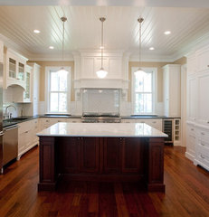 traditional kitchen by WaterMark Coastal Homes, LLC