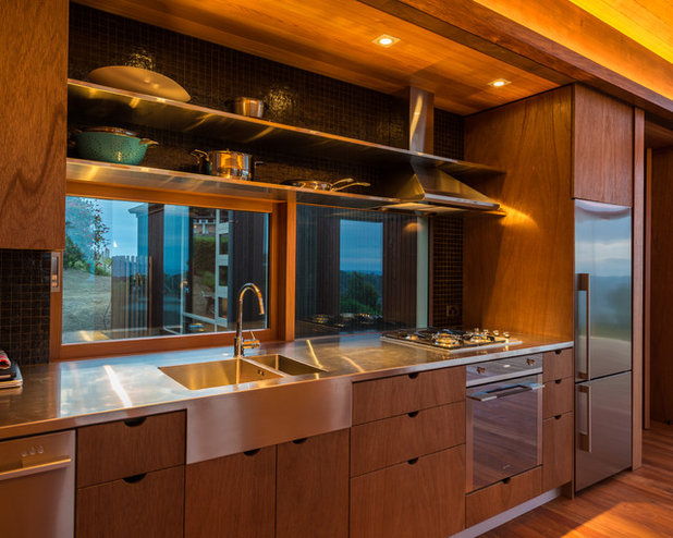 Contemporary Kitchen by Charissa Snijders Architect