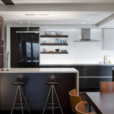 Contemporary Kitchen by ACTWO Architects