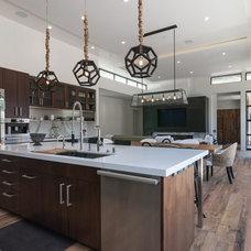 Modern Kitchen by KW Designs