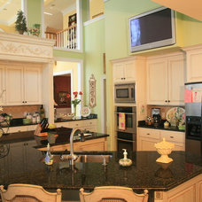 Traditional Kitchen by Tab Premium Built Homes
