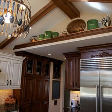 Traditional Kitchen by Merri Interiors, Inc.